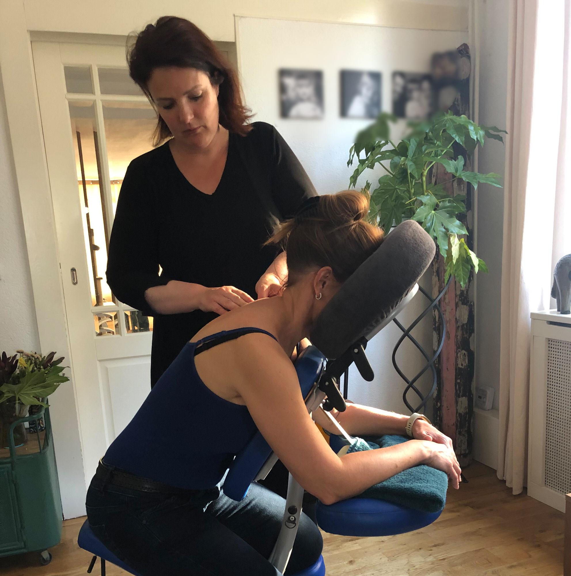 Maak een afspraak voor een massage op locatie vierkanter